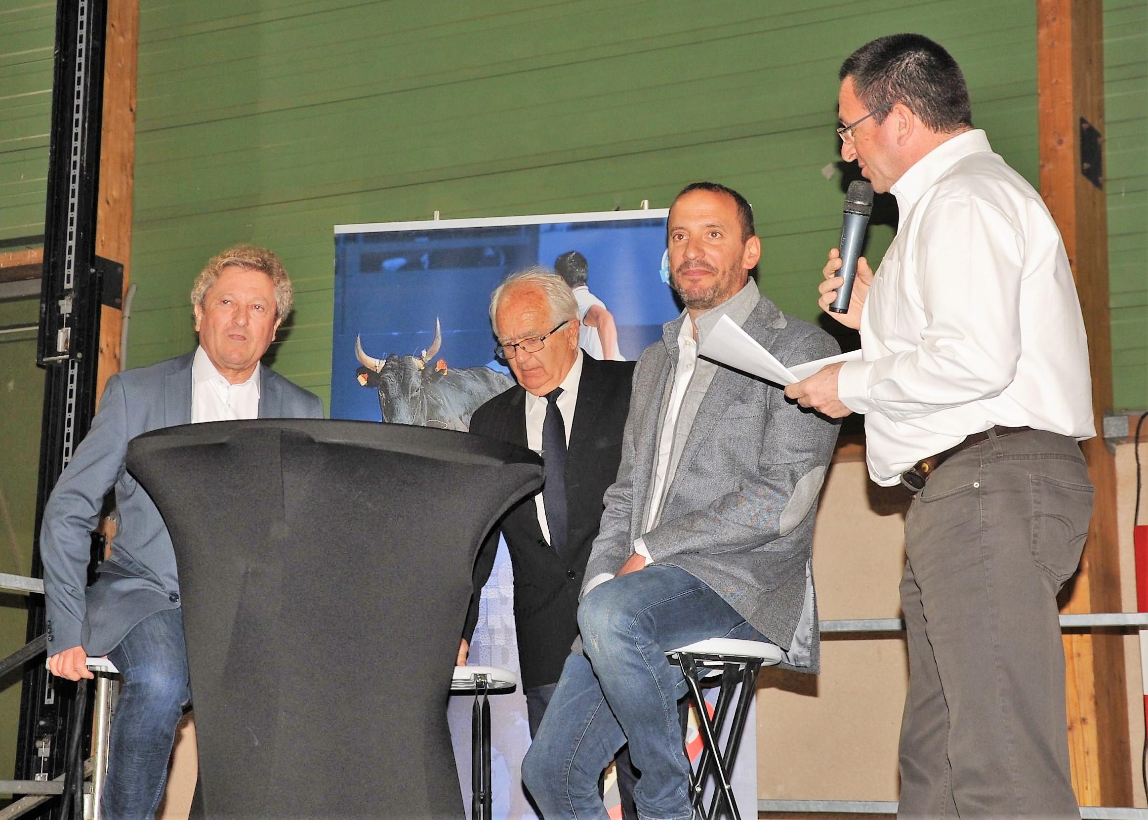Ffcc Calendrier 2020.Aigues Vives 74e Congres De La Ffcc Bouvine En Ligne